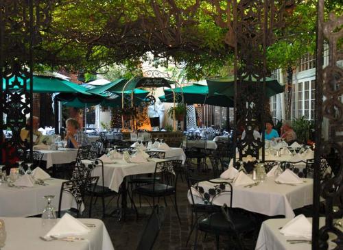 Lovely NewOrleansRestaurants.com