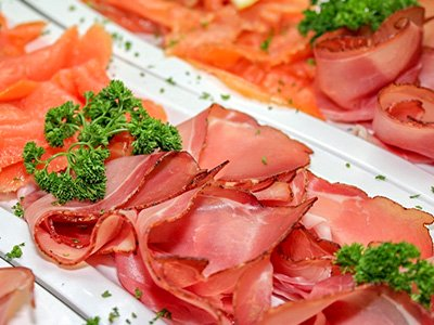 Gravlax - Cured salmon with dill, akvavit and caraway
